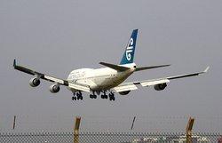 Air New Zealand 747 landing at Heathrow