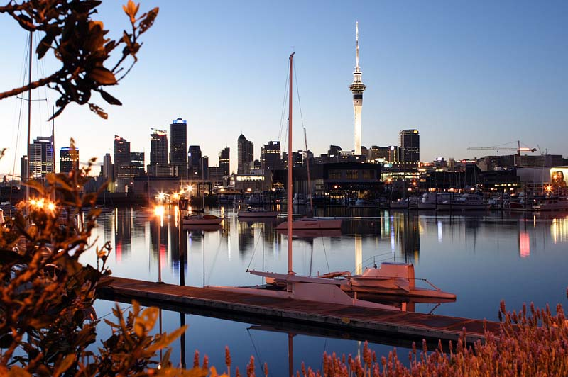 view of the auckland new zealand skyline from westhaven marina. Black Bedroom Furniture Sets. Home Design Ideas