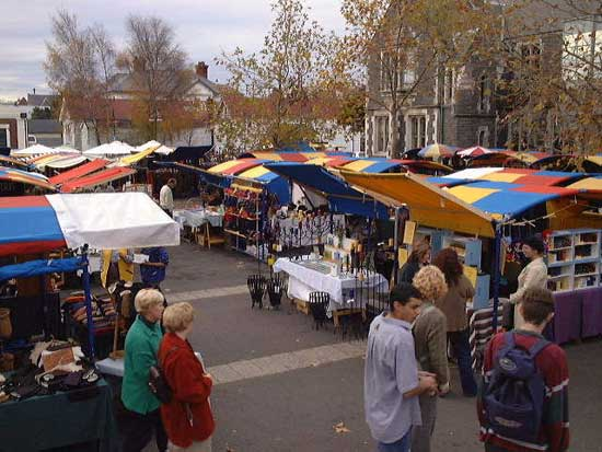Christchurch Afternoon Markets in Cathedral Square