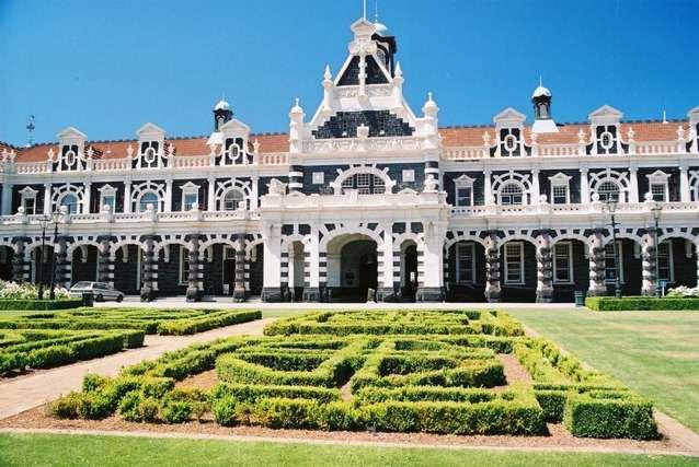 Photograph of Dunedin Railway Station - Dunedin, Otago, New Zealand